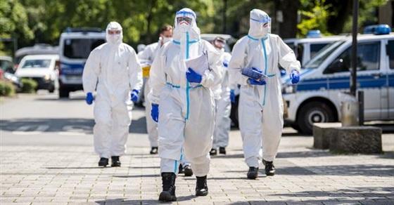 ألمانيا تسجل 14455 إصابة جديدة بكورونا و240 حالة وفاة