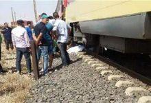 صورة مصرع شاب سقط أسفل عجلات قطار الفيوم