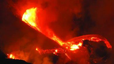 الحمم البركانية تتدفق من بركان كيلوا في هاواي