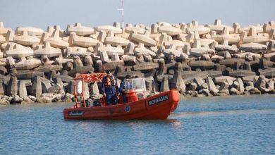 صورة «الإطفاء»: غرق شخصين مقابل الأبراج والعثور على جثة أحدهما وجاري البحث عن الآخر