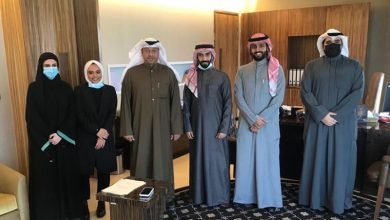 د.حمد المطر مستقبلا أعضاء الهيئة الإدارية للاتحاد الوطني لطلبة جامعة الكويت