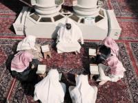 صورة حفظ وتلقين وتعليم عن بعد.. «حلقات المتون» بالمسجد النبوي