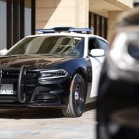 شرطة الرياض: الإطاحة بمواطنَيْن امتهنا كسر زجاج المركبات المتوقفة وسرقة محتوياتها