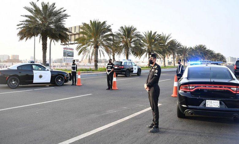 «شرطة الرياض» تطيح بـ5 مواطنين تورطوا بارتكاب جرائم سرقة المركبات
