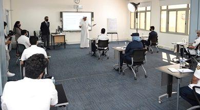 صورة وزير المواصلات والاتصالات يدشّن ورشة عمل «تعزيز تجربة المسافرين» في مبنى المسافرين الجديد