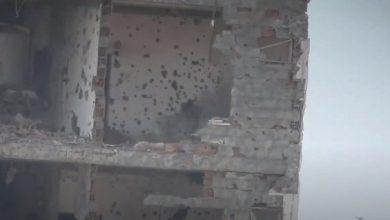 صورة مصرع 6 وإصابة 2.. شاهد بالفيديو لحظة اصطياد 8 قناصة حوثيين في اليمن