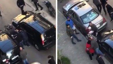 صورة شاهد ضرب رجل أمن لبناني بطريقة عنيفة وسط شارع في طرابلس