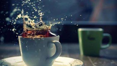 صورة أحدها يخلص من رائحة الفم.. 4 بدائل تغنيك عن تناول الشاي الأسود