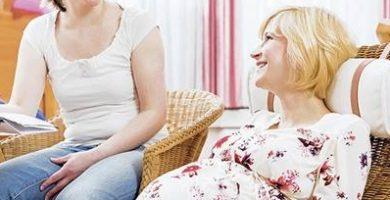 صورة ارتفاع سن المرأة الأوروبية عند إنجاب طفلها الأول فى السنوات الأخيرة