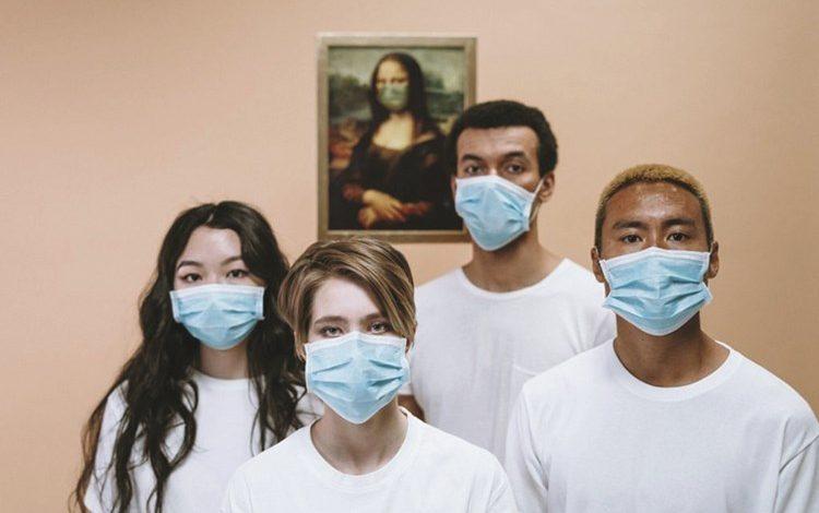 المتطوعون سيعطون جرعة صغيرة من ڤيروس كورونا بواسطة بخاخ أنف