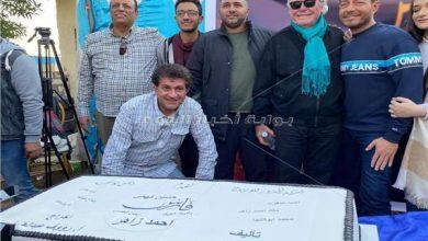 صورة خاص| الصور الأولى من كواليس فيلم «الفارس» لـ«أحمد زاهر»
