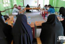صورة دورة تدريبية للجان المجتمعية بالمحفد حول توعية المجتمع من ظاهرة الزواج المبكر ومخاطر الالغام والمخدرات