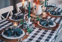 صورة إتيكيت المائدة والطعام في المناسبات الاجتماعية أو لقاءات العمل