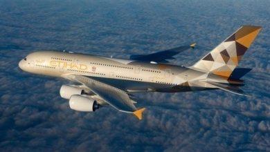 صورة الاتحاد للطيران تمدد التأمين الصحي العالمي ضد كورونا