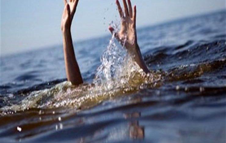 انتشال جثة صياد غرق داخل بحيرة المفيض بمركز باريس في الوادى الجديد