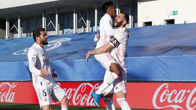 ثنائية بنزيما تقود ريال مدريد لفوز صعب على إلتشي بالليجا