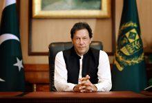 صورة رئيس الوزراء الباكستاني يحظى بثقة البرلمان