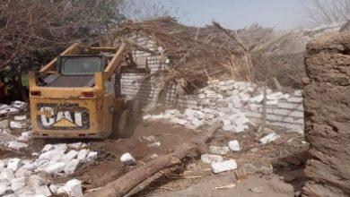 صور.. إزالة 12 حالة تعد علي أملاك الدولة في ديرمواس بالمنيا
