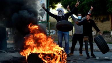 صورة غضب واحتجاجات و«صراع على البقاء».. لبنان يسير نحو الهاوية