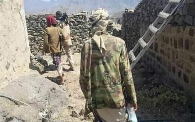 قوات الجيش بتعز تستكمل تطهير وتأمين كافة مناطق الريف الغربي لمديرية جبل حبشي