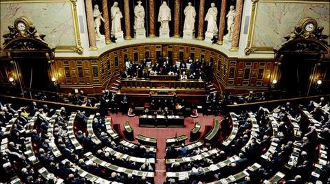 «ليل طويل» لبحث حزمة التحفيز الأميركية في مجلس الشيوخ