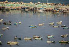 صورة مقتل ثلاثة صيادين فلسطينيين في انفجار غامض قبالة سواحل غزة