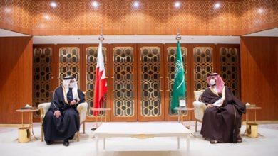 صورة ولي العهد رئيس مجلس الوزراء يؤكد موقف البحرين الثابت والراسخ مع السعودية في حفظ أمنها واستقرارها
