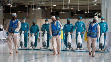 60 ألف لتر معقمات لغسل المسجد الحرام يومياً - أخبار السعودية