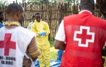 صورة الصليب الأحمر يحذّر من «مقاومة المجتمع» تدابير احتواء إيبولا في غينيا