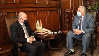 وزير الزراعة خلال لقاء السفير الاسترالي