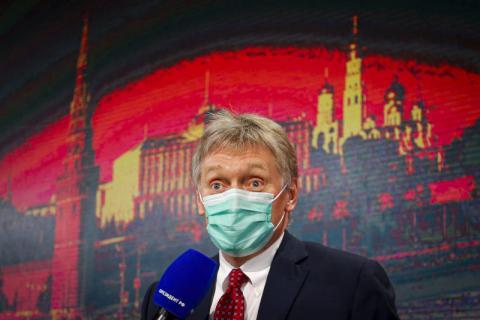 الكرملين يطالب ماكرون وميركل بالضغط على رئيس أوكرانيا