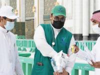 صورة توزيع 25 ألف وجبة إفطار في ساحات المسجد الحرام (صور)