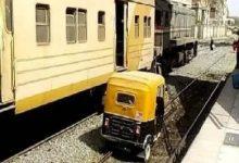 صورة كشف ملابسات صورة لـ«توك توك» يسير على قضبان السكة الحديدية