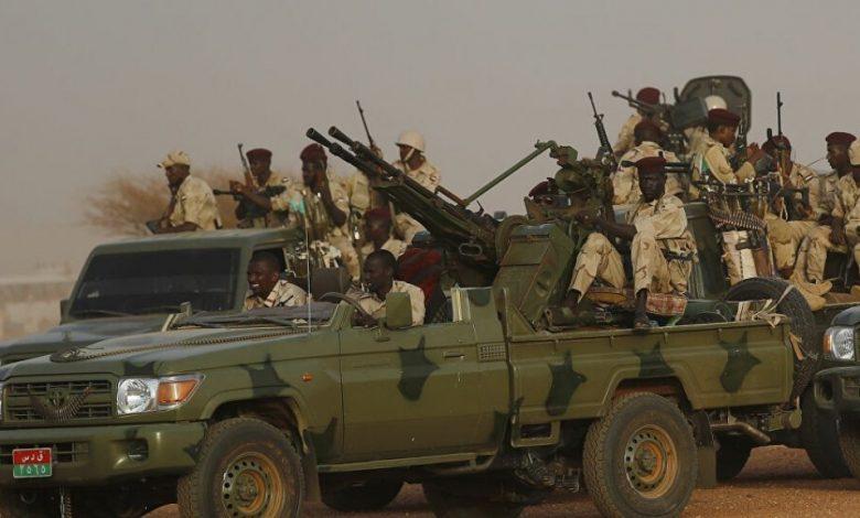 مقتل 100 مدني في اشتباكات مسلحة على الحدود الأثيوبية .