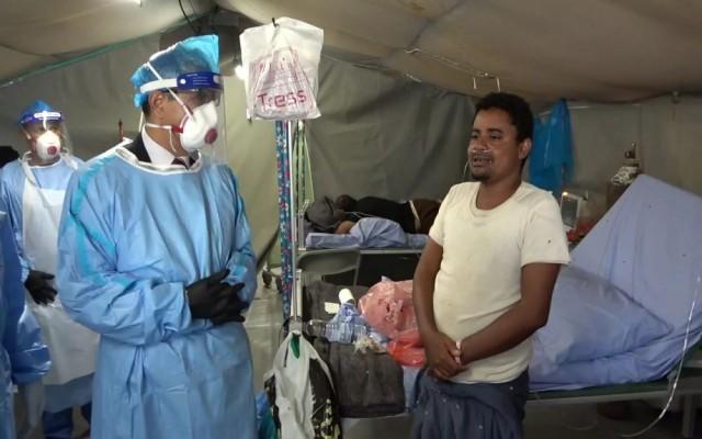 وزير الصحة يتفقد المركز الميداني لكوفيد ١٩ ويلتقي نائب رئيس بعثة الصليب الاحمر