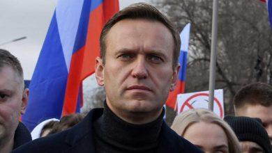 روسيا تحظر «شبكة نافالني».. وتعتقل محاميه