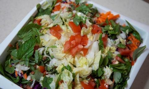 Humble Fattoush Salad Shows Cost of Lebanon's Crisis at Ramadan