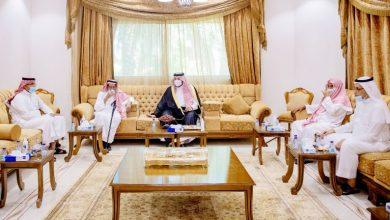 أمير الحدود الشمالية يواسي أسرة المهيلب في فقيدهم - أخبار السعودية