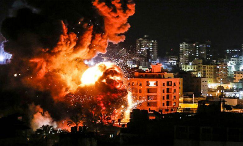 استشهاد فلسطينيين باستنشاق الغاز السام من القصف الإسرائيلي