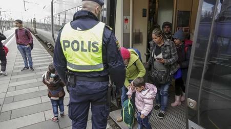 الآلاف يتظاهرون في الدنمارك دعما لسوريين مهددين بالترحيل
