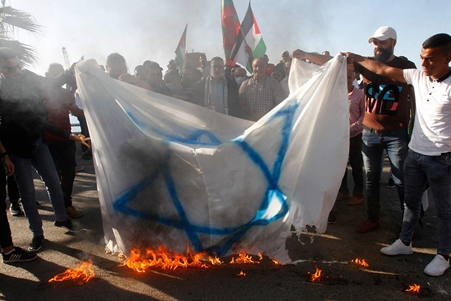 الجيش الإسرائيلي يؤكد إطلاق ثلاثة صواريخ من جنوب لبنان