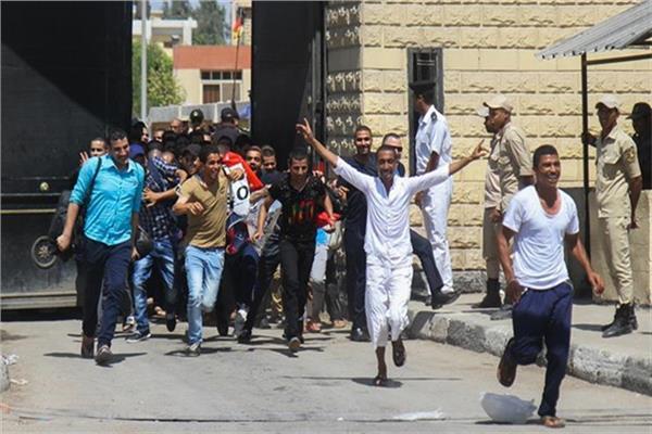 الداخلية: الإفراج عن 919 من نزلاء السجون بمناسبة الاحتفال بعيد الفطر