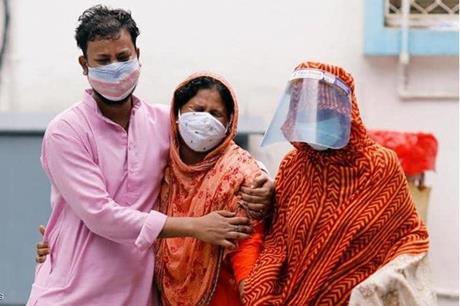 الصحة العالمية تحذر .. سيناريو الهند سيحدث في عدة دول اخرى
