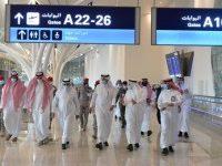 بعد رفع تعليق السفر.. وزير النقل يتفقد مطاري الملك عبدالعزيز الدولي والملك خالد (صور)