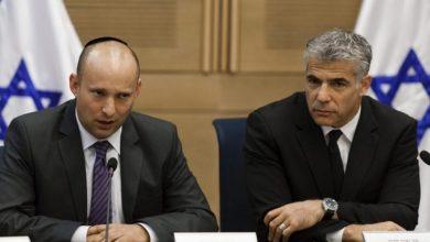 بينيت يعلن تحالفه مع لبيد لتشكيل حكومة يسارية.. ونتنياهو يرد .