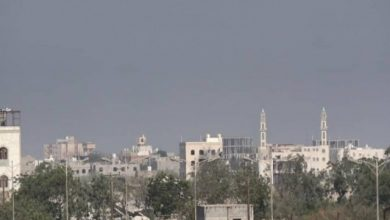عشية عيد الفطر .. مليشيات الحوثي تقصف مناطق سكنية بالحديدة