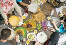 4 عادات في تناول الطعام تؤذي المعدة والمريء