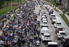 آلاف ينظمون مسيرة دعما لأسرة مسلمة لقيت حتفها دهسا بشاحنة في كندا
