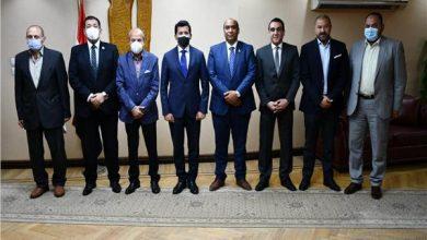 صبحي يلتقي لجنة الشباب والرياضة بمجلس الشيوخ