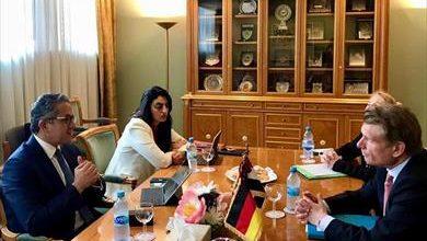 العناني يلتقي وزير الاقتصاد والطاقة ومفوض الحكومة الفيدرالية للسياحة بألمانيا